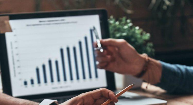 Aprenda como fazer uma análise de concorrência em 4 passos - Delivery Much Blog