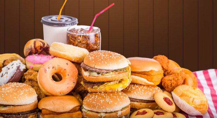 O que é fast food Conheça o milionário mercado de comidas rápidas
